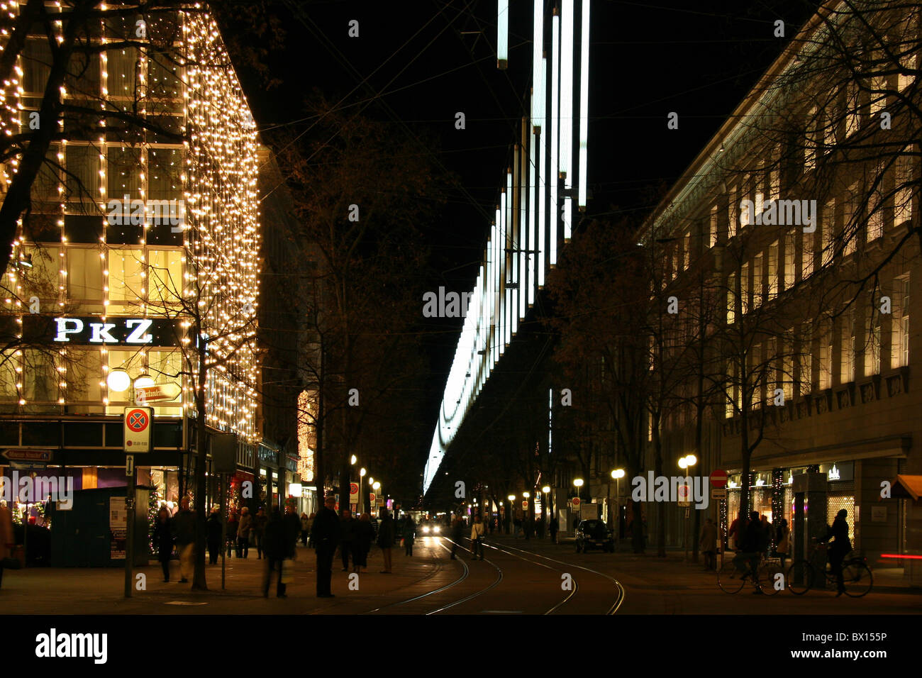 zurich town city christmas bahnhofstrasse stockfotos zurich town city christmas bahnhofstrasse. Black Bedroom Furniture Sets. Home Design Ideas