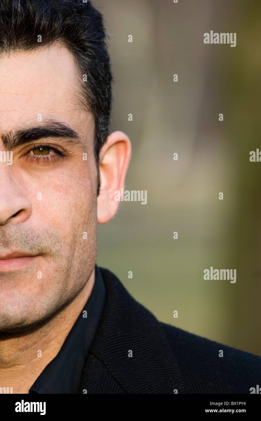 Closeup Portrait von schweren 35 Jahre alten nahöstlichen Mann Berlin Deutschland Stockbild