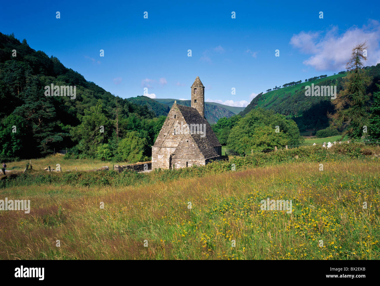 St. Kevins Küche, Glendalough, County Wicklow, Irland Stockfoto ...