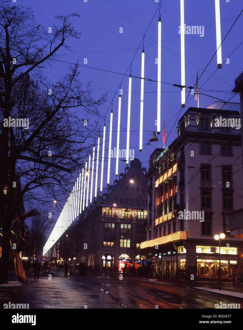 Zürich-Stadt bei Nacht Nacht Weihnachten Winter Weihnachtsbeleuchtung Bahnhofstrasse Beleuchtung Person Pedestri Stockbild