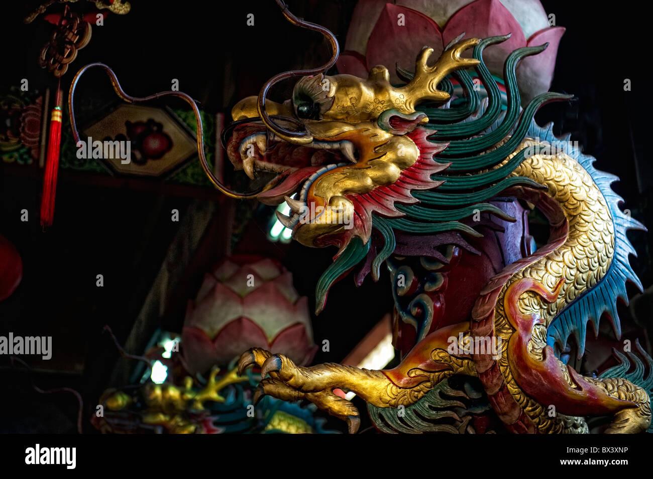 Drachen im chinesischen Tempel Thailand Stockbild