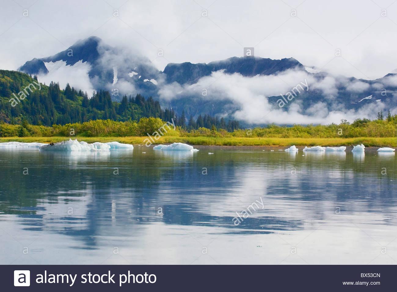 Eisberge hinzufügen ein Gefühl der Zeitlosigkeit, die atemberaubende Landschaft der oberen Pedersen Lagune Stockbild