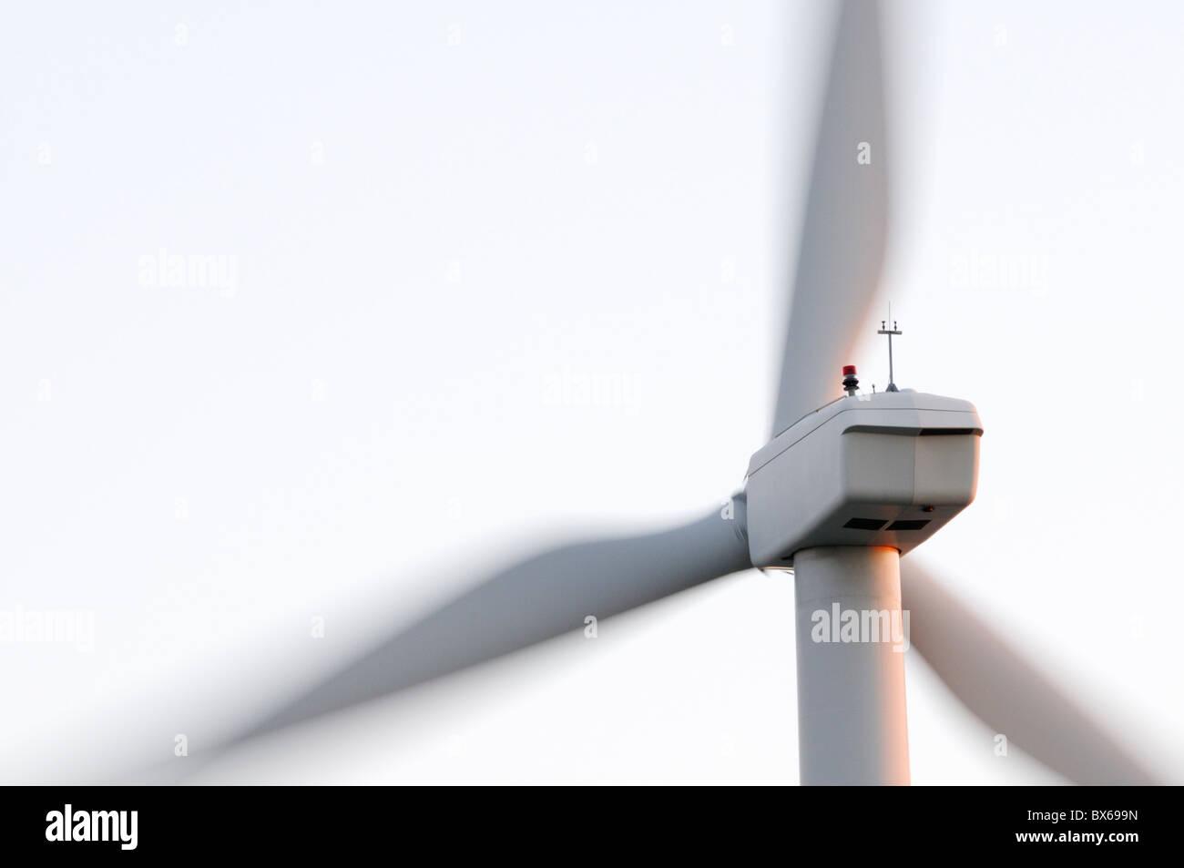 Windkraftanlage im Morgengrauen Spinnerei Stockbild