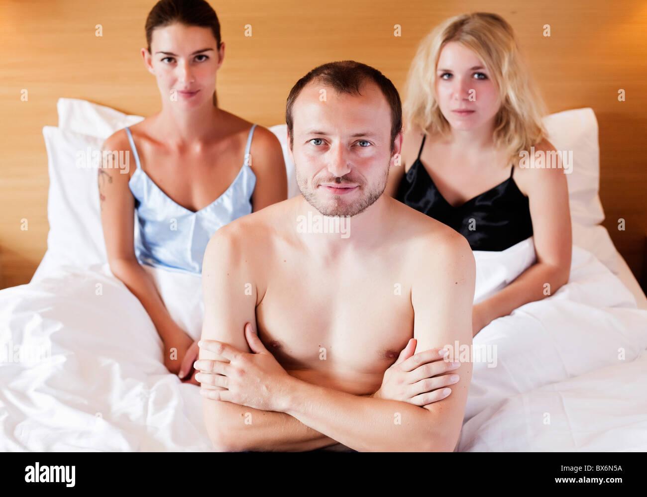 mann und frau sexen im bett