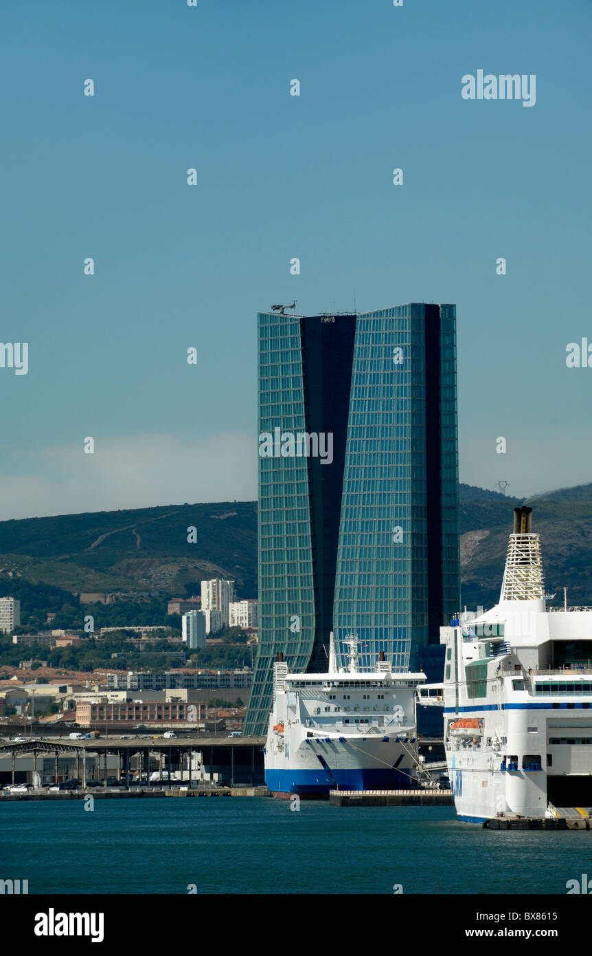 Zaha Hadid Büroturm Block oder Wolkenkratzer, Marseille oder Marseille Docks, Hafen, Hafen, Provence, Frankreich Stockbild