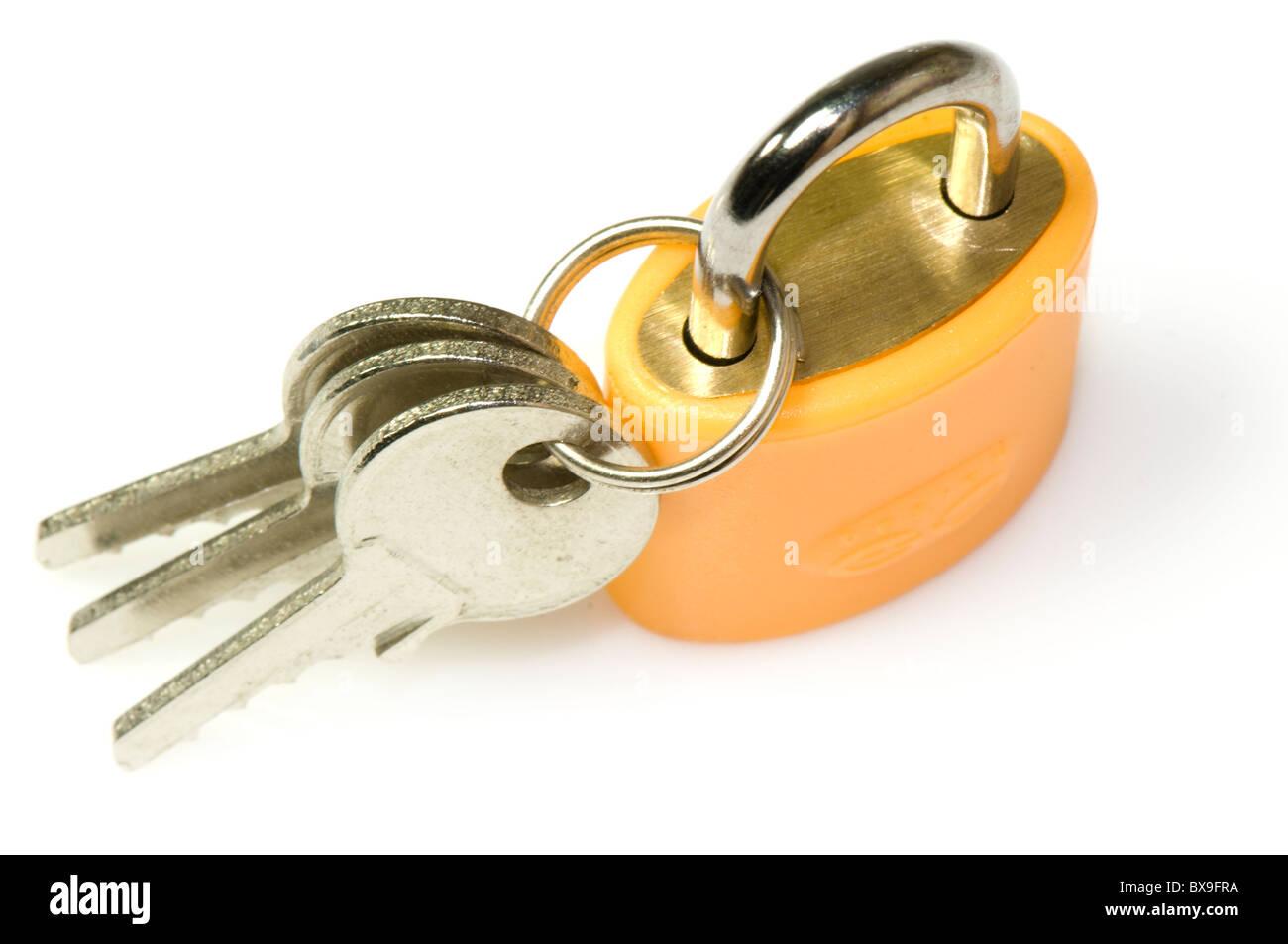 persönlichen Schloss und Schlüssel auf weißem Hintergrund Stockbild