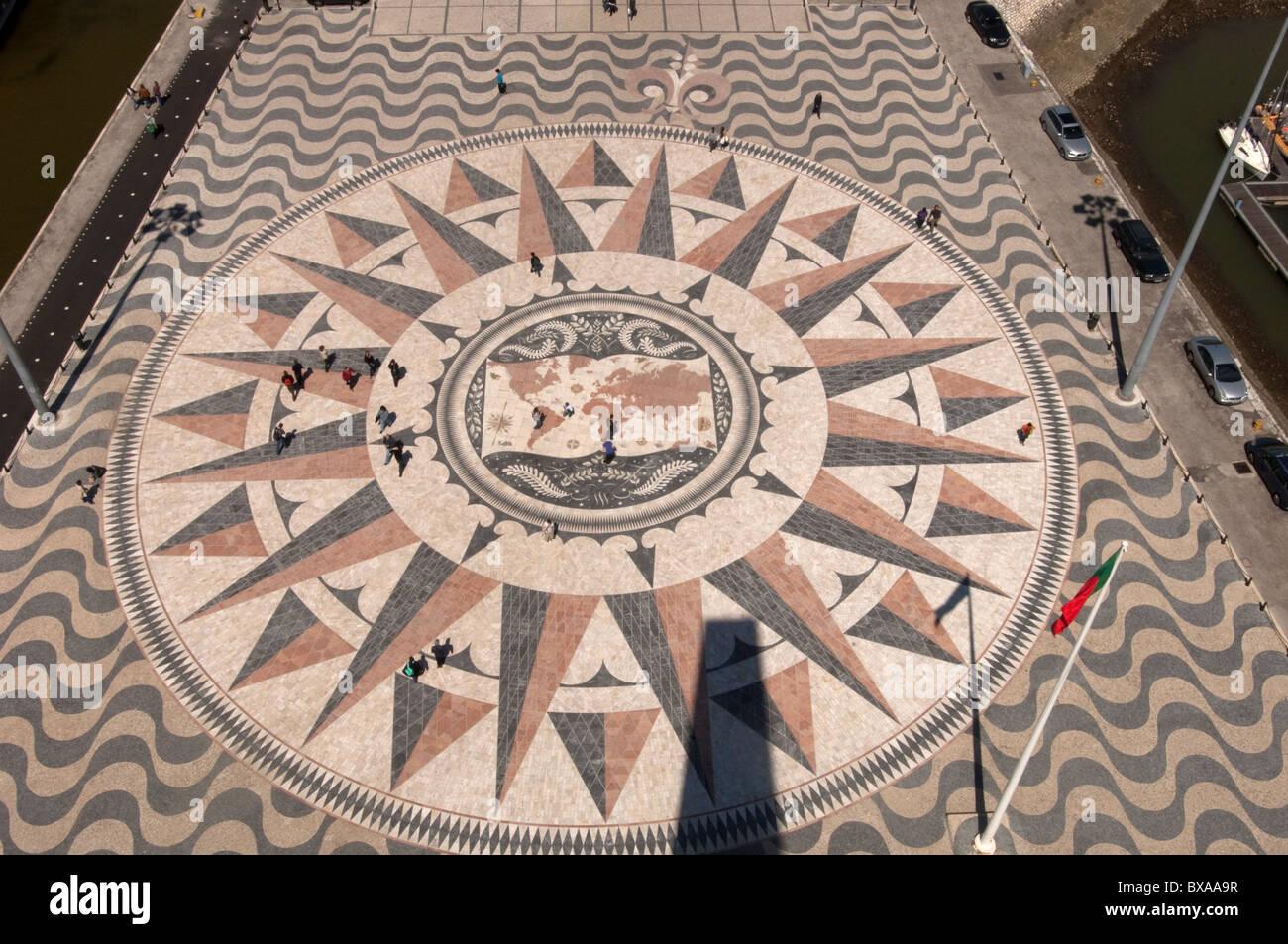 Lissabon. Portugal. Blick vom Denkmal der Entdeckungen Padrão Dos Descobrimentos in Belem Stockbild