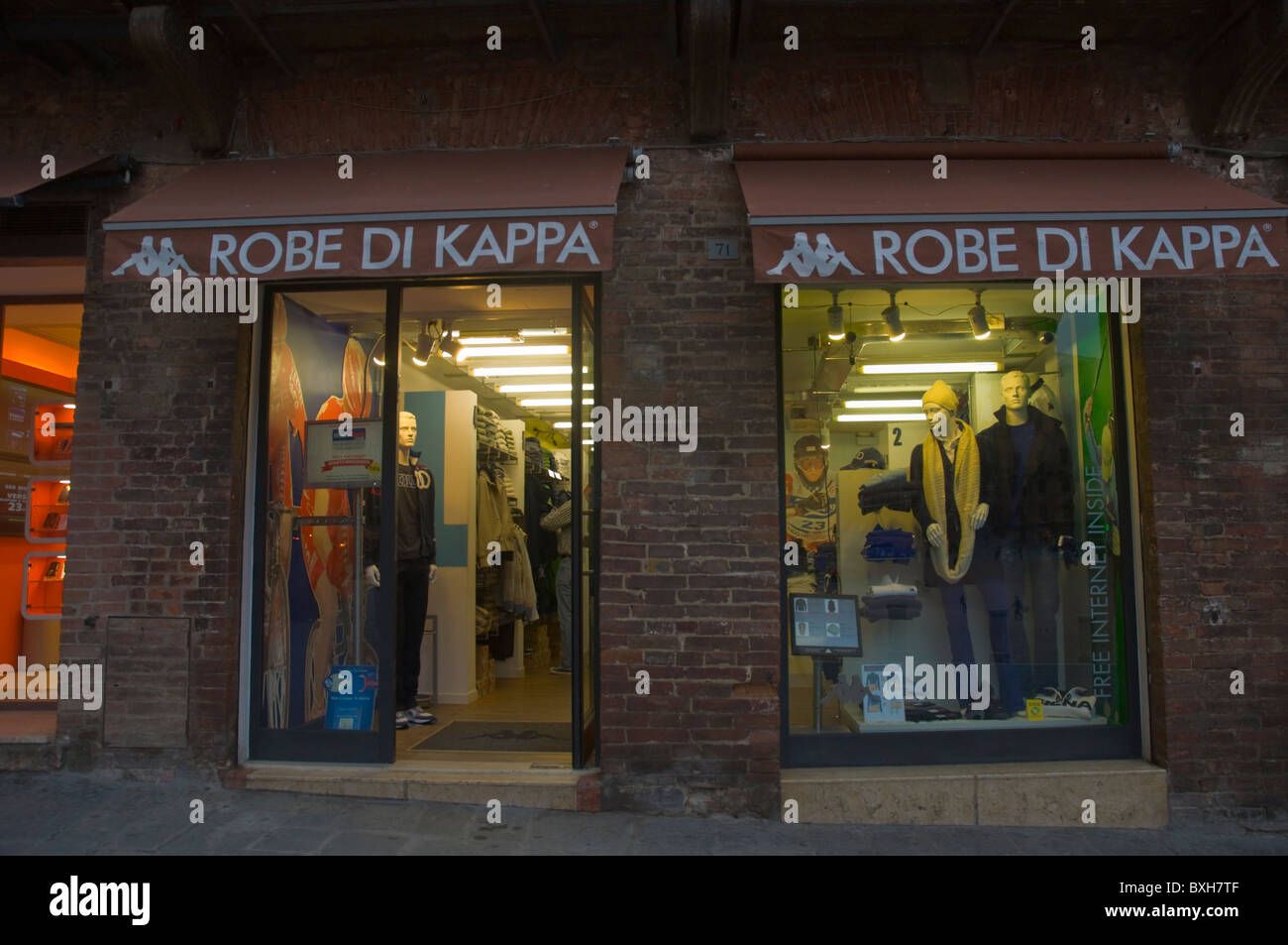 Robe di Kappa shop Siena Toskana Italien-Mitteleuropa Stockbild