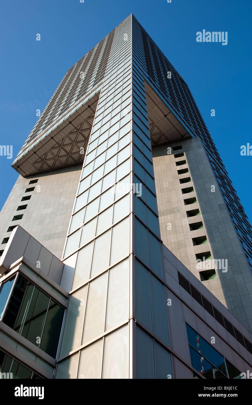 Moderne Architektur des Bürogebäudes in der Innenstadt von Warschau Stockfoto
