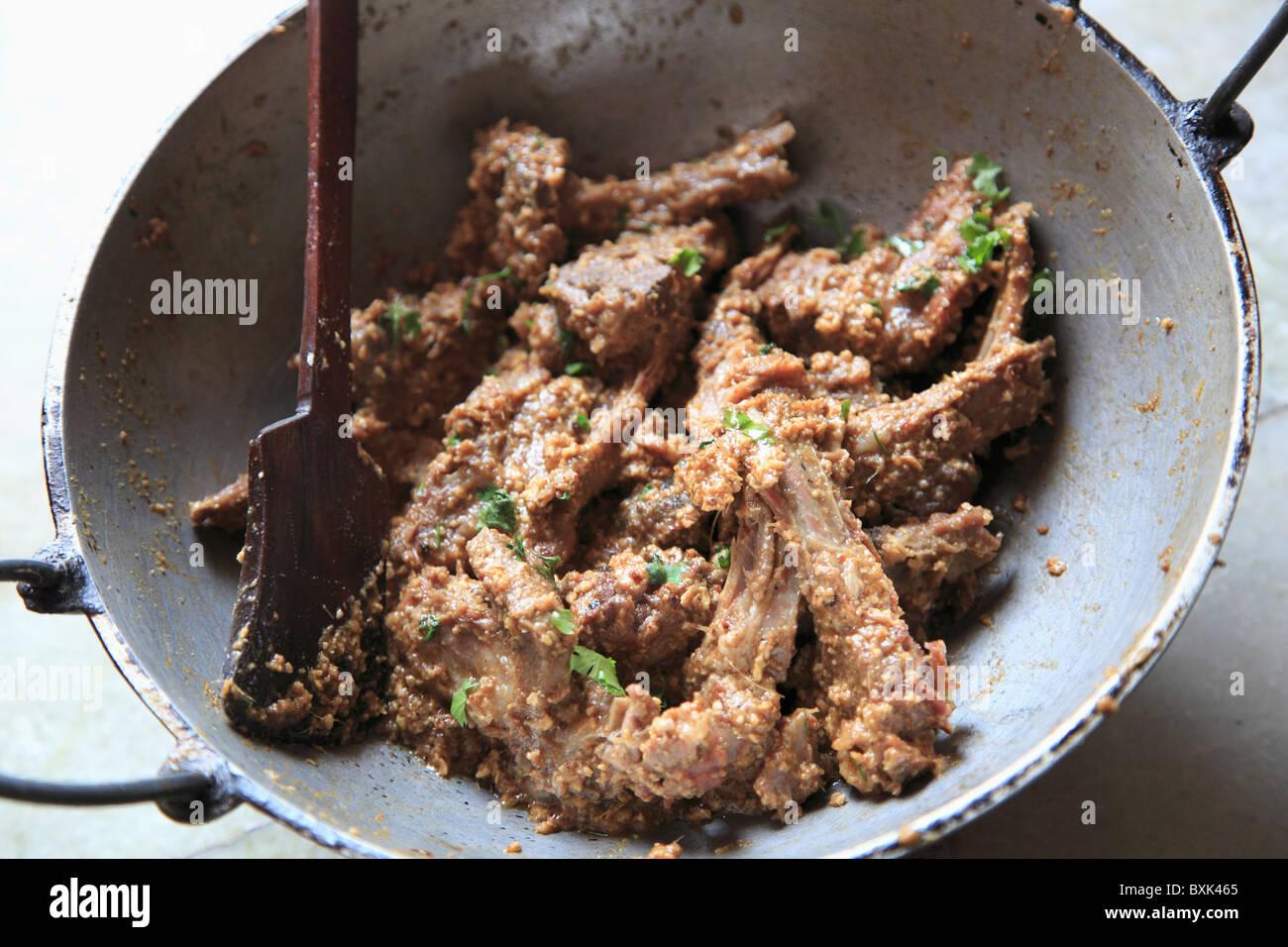 Ziege Koteletts, traditionelle indische Küche gemacht mit Joghurt ...
