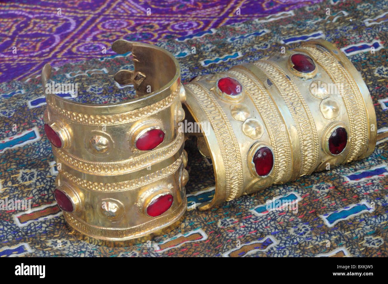 Bracelects zum Verkauf in Michelle Baconnier shop Rue de Vieux im Bereich Gueliz Marrakech Stockbild