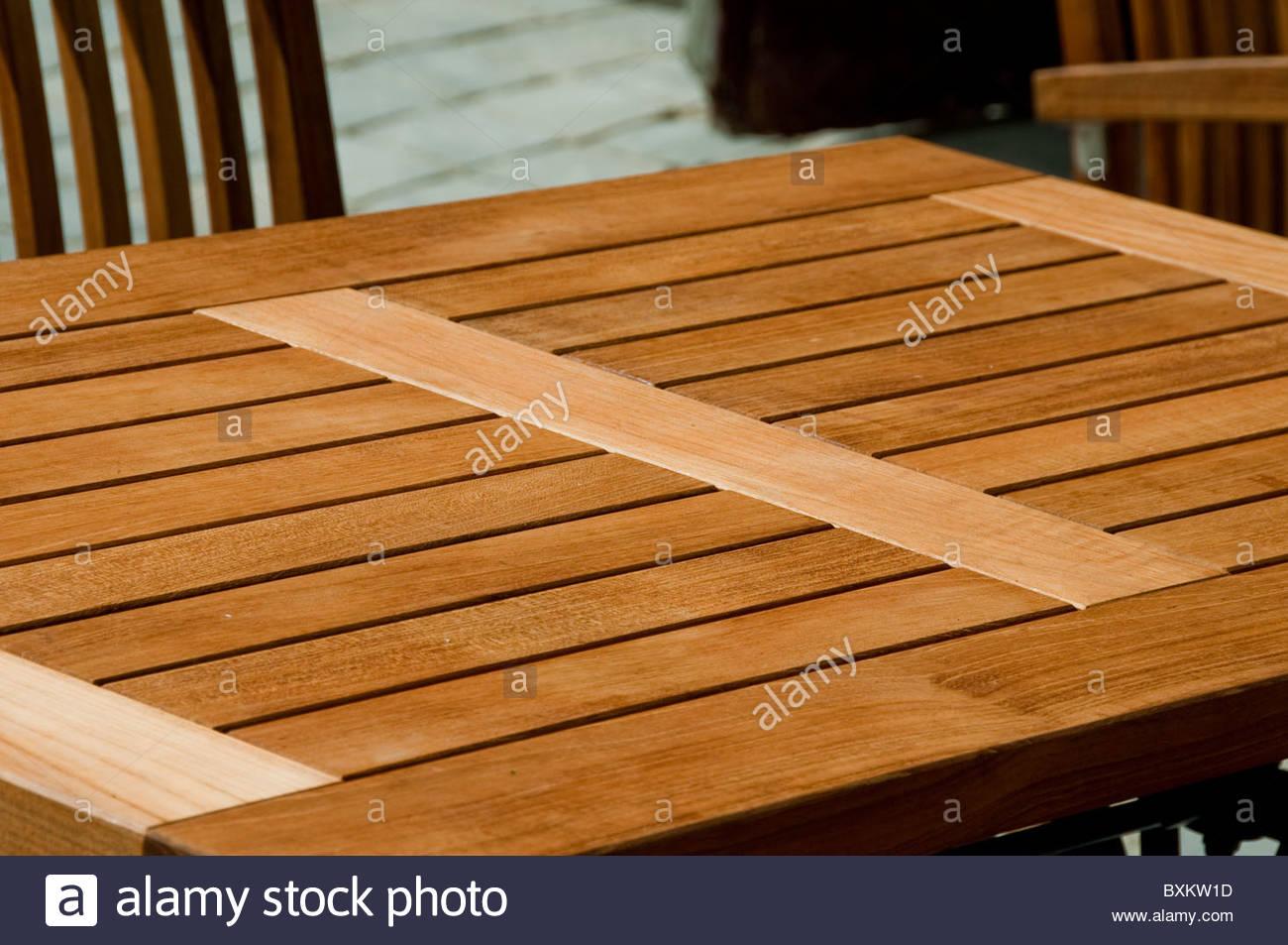 Paris, Frankreich   Holz Tisch Garten Möbel, Patio, Terrasse, Draußen,  Nahaufnahme