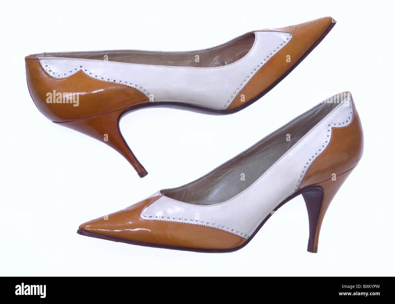 Mode, 1950er Jahre, Damen Mode, Schuhe, Schuhe mit hohen Absätzen, Italien, ca. 1959 Additional-Rights - Clearences Stockbild