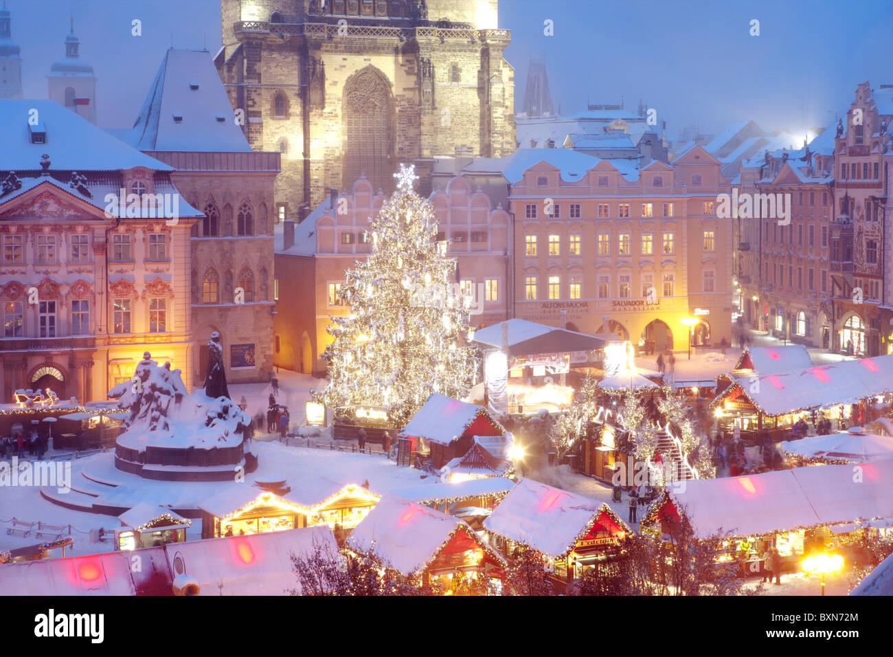tschechische republik prag weihnachtsmarkt auf dem. Black Bedroom Furniture Sets. Home Design Ideas