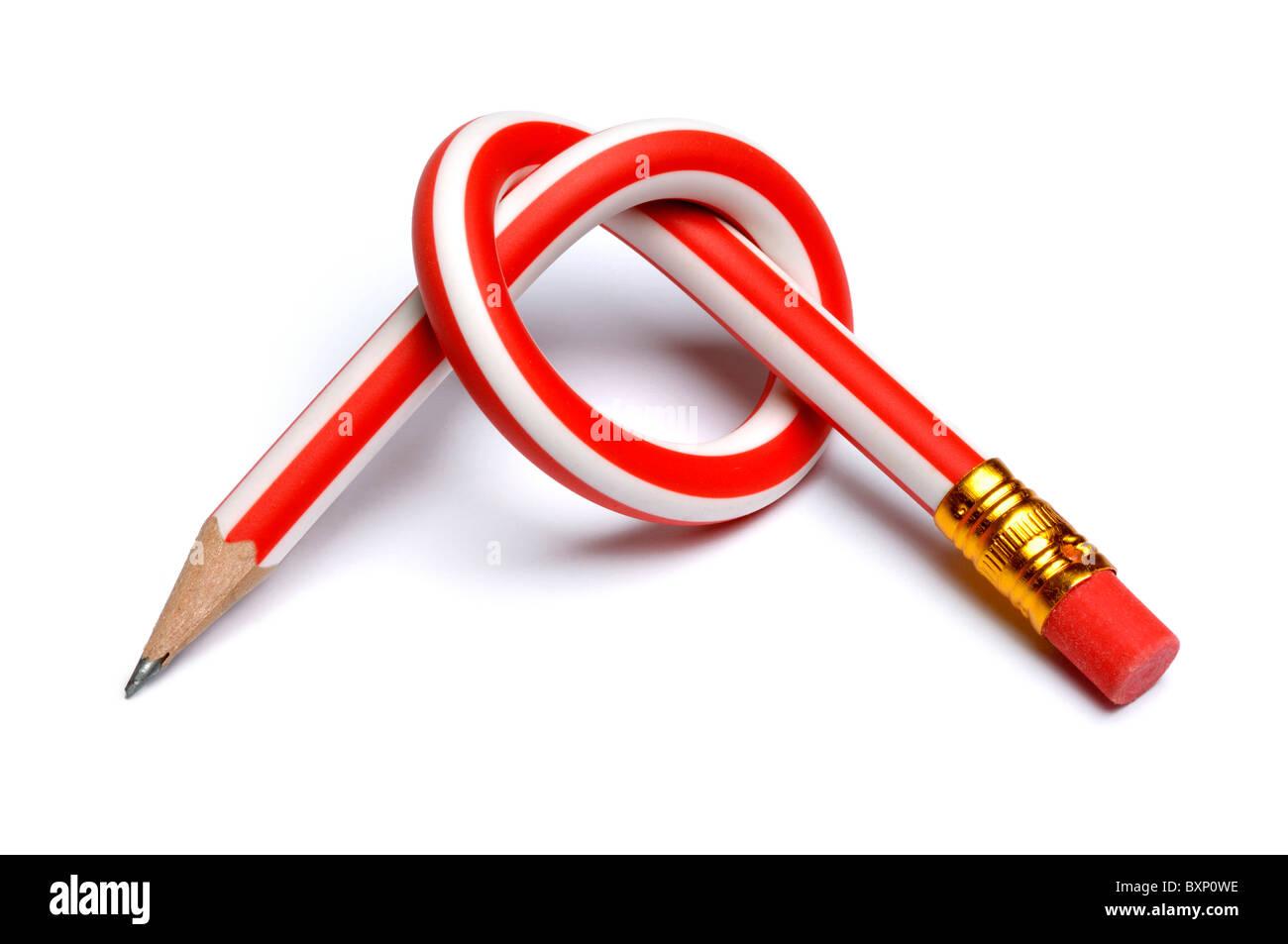 Bleistift in einen Knoten gebunden Stockbild