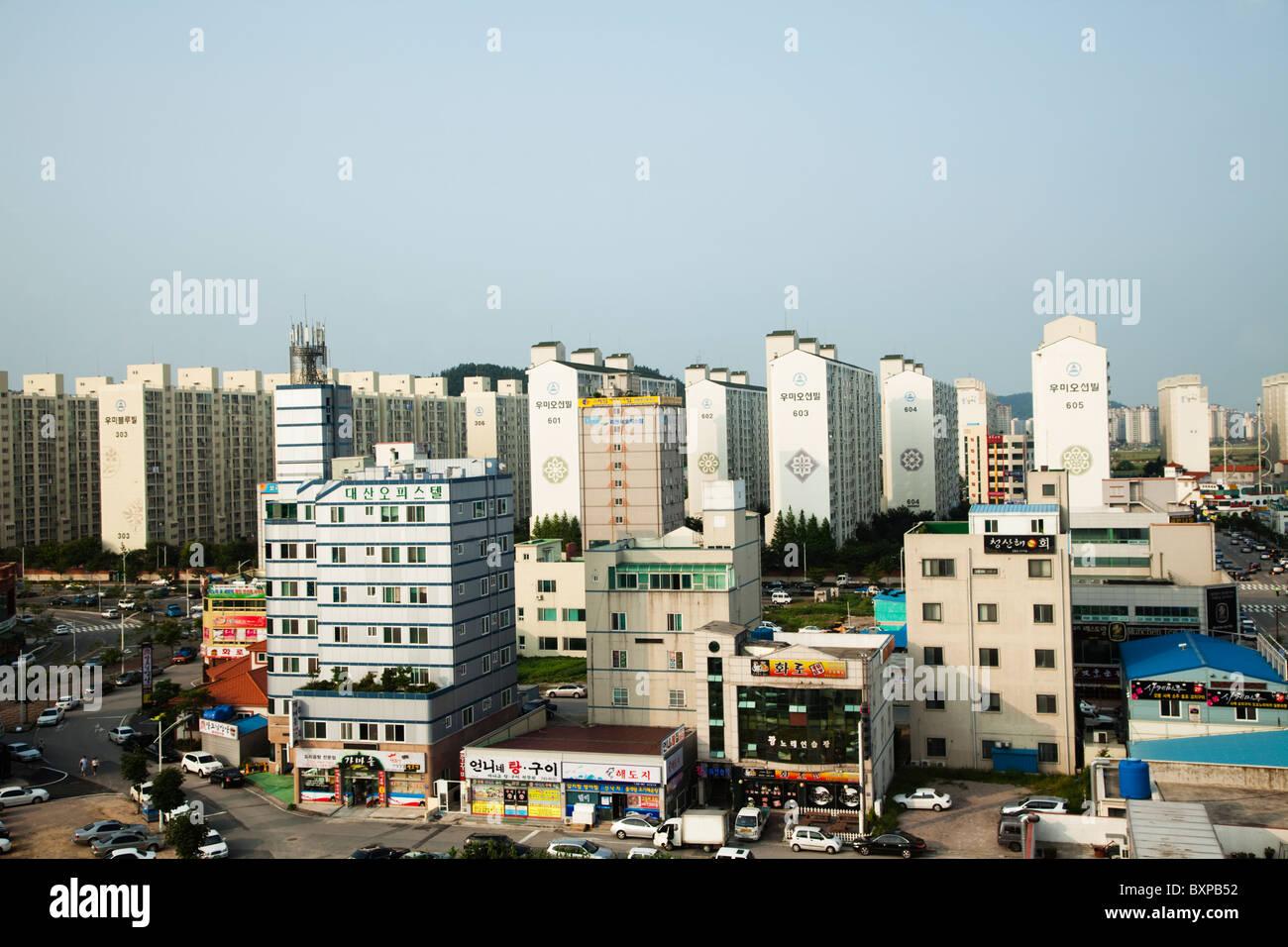 Architektur rund um den Hafen von Mokpo, Südkorea Stockbild