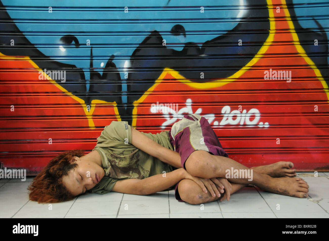 poor boy is sleeping stockfotos poor boy is sleeping bilder alamy. Black Bedroom Furniture Sets. Home Design Ideas