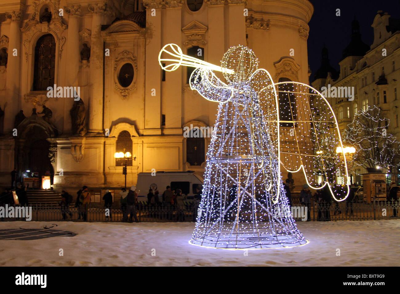 Weihnachtsbeleuchtung Engel.Beleuchtete Engel Weihnachtsbeleuchtung In Prag Tschechische