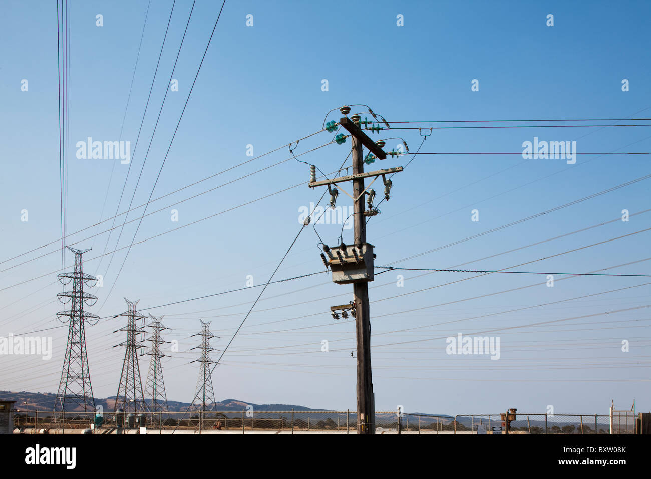 High Tension Wires | Australia Victoria High Tension Wires Stockfotos Australia