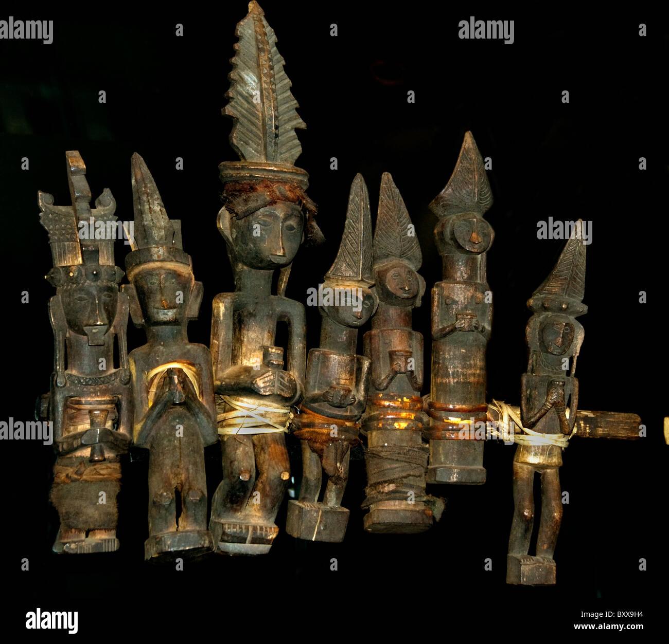 Zeile überlieferten Bilder 19. Cent Nias indonesischen Sumatra Indonesien Stockbild