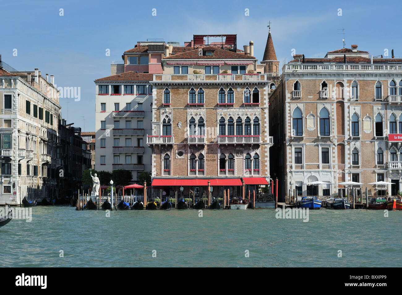 venedig italien hotel bauer grunwald palazzo aussicht auf den canal grande stockfoto bild. Black Bedroom Furniture Sets. Home Design Ideas