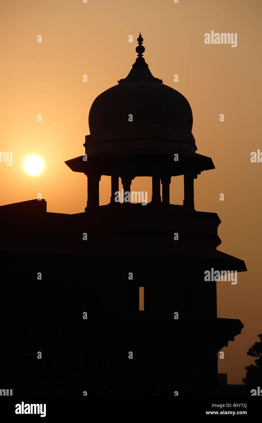 Turm der Jahangiri Mahal in das Rote Fort, Agra, Indien Stockbild