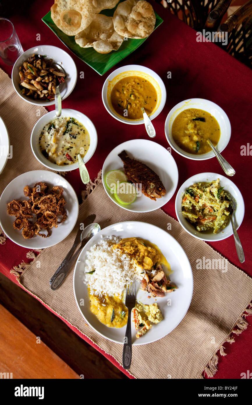 Indien, Palakkad. Traditionelle indische Küche des Südens Stockfoto ...