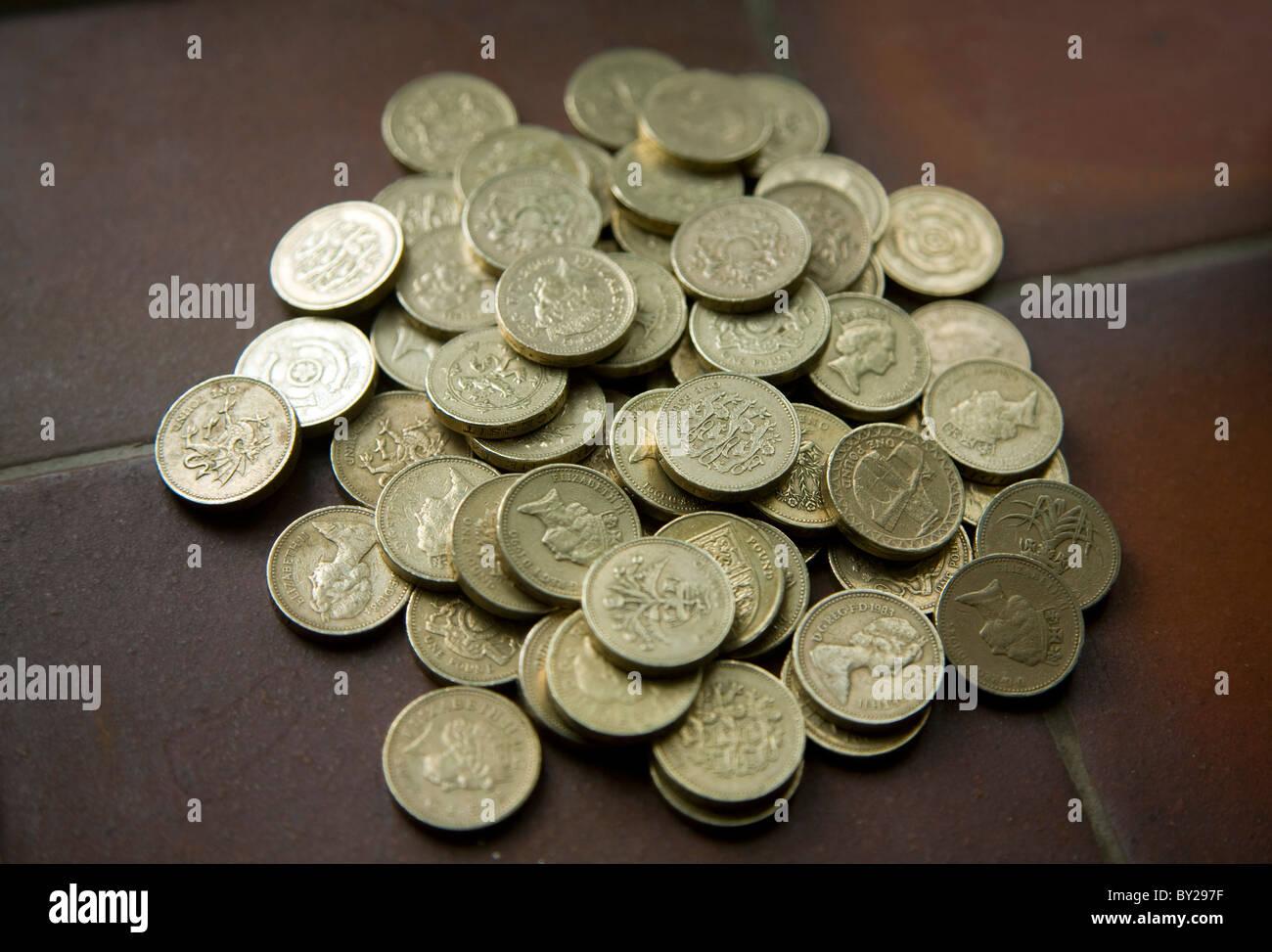 Stapel-Pfund-Münzen Stockbild