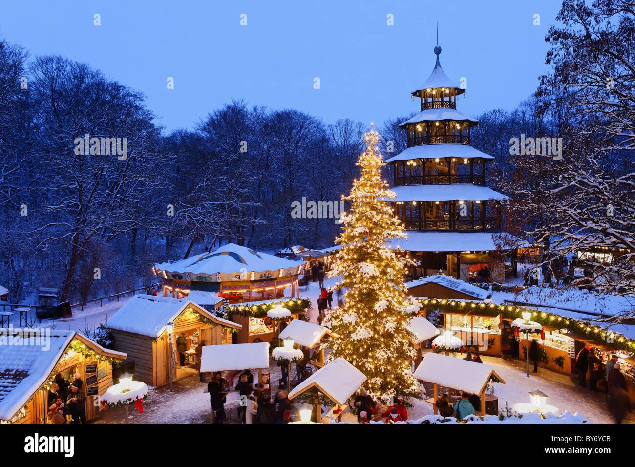 Weihnachtsmarkt Am Chinesischen Turm.Weihnachtsmarkt Am Chinesischer Turm Englischer Garten München