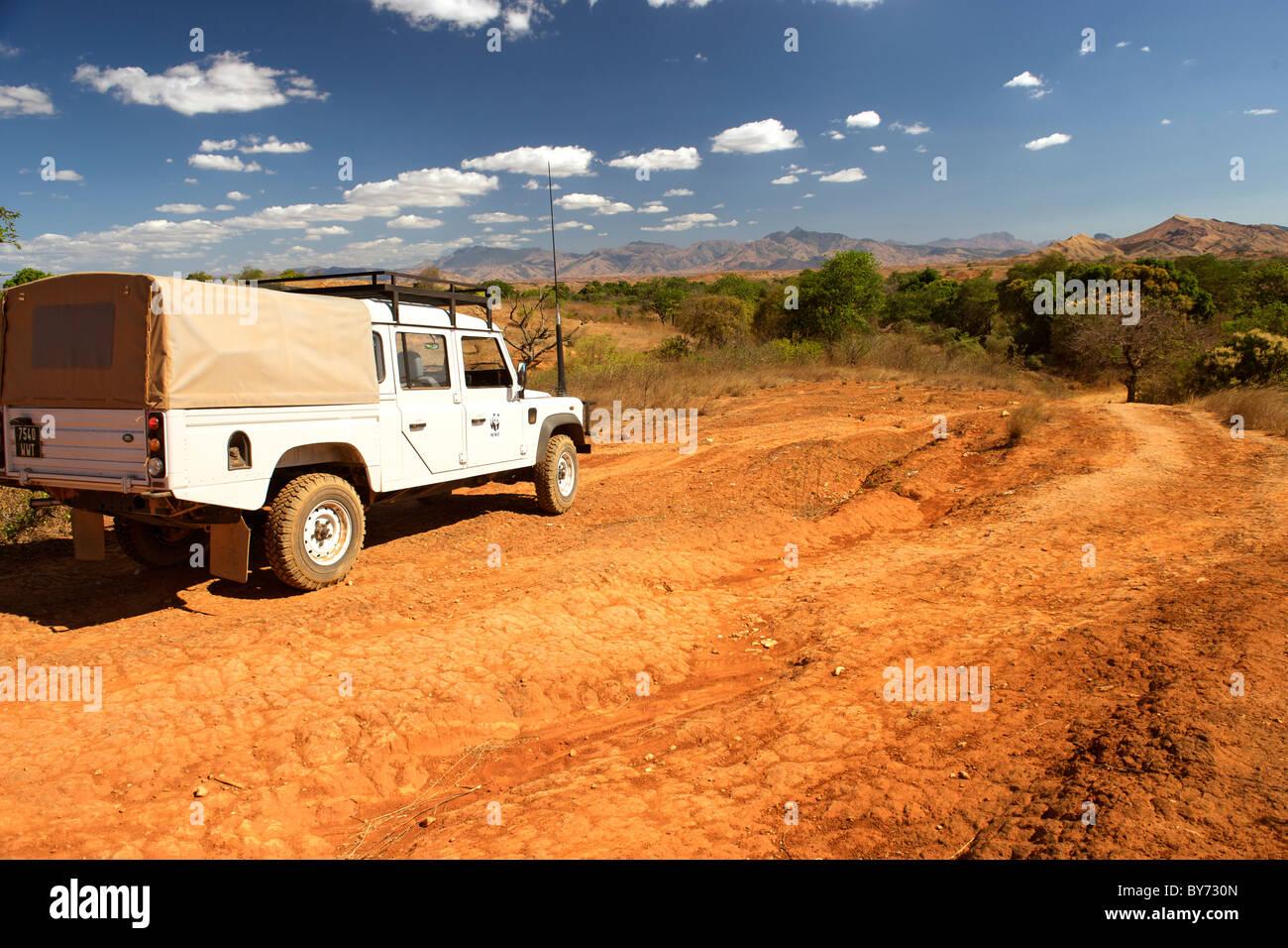 Blick auf die Landschaft einen Land Rover 110 saisonale Vohemar Ambilobe unterwegs im Nordosten Madagaskars. Stockbild