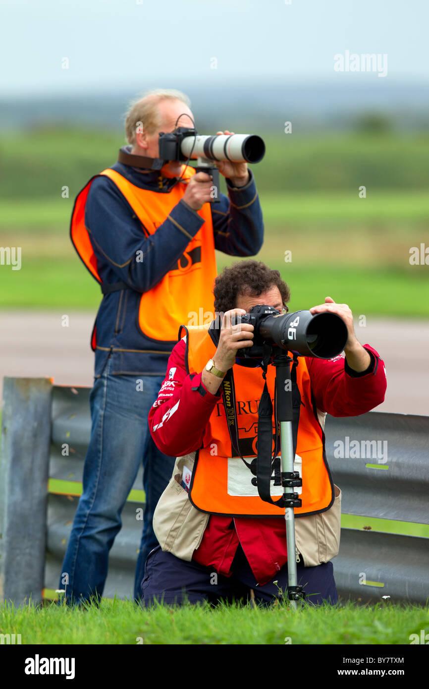 Motorsport Fotografen Fotografieren ein Motorrad Rennen. Stockbild