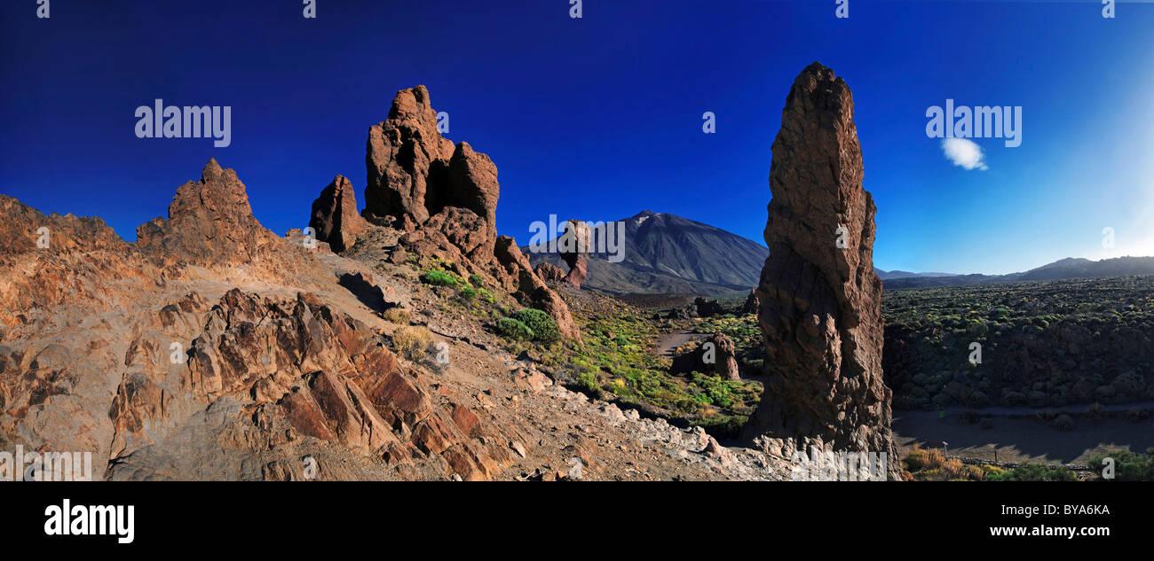 Roques de Garcia, den Teide oder Pico del Teide, Teneriffa, Kanarische Inseln, Spanien, Europa Stockbild
