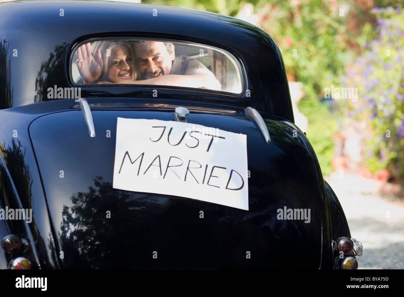 """Auto """"Just Married"""" Stockbild"""