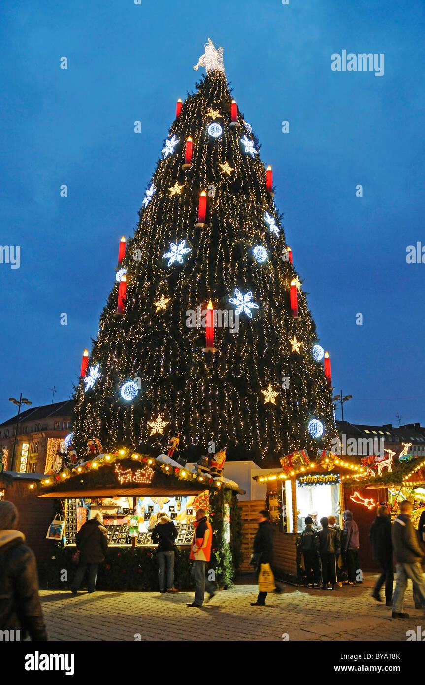 Deutscher Weihnachtsbaum.Weihnachtsbaum Markt Steht Weihnachten Markt Dortmund Ruhr Und