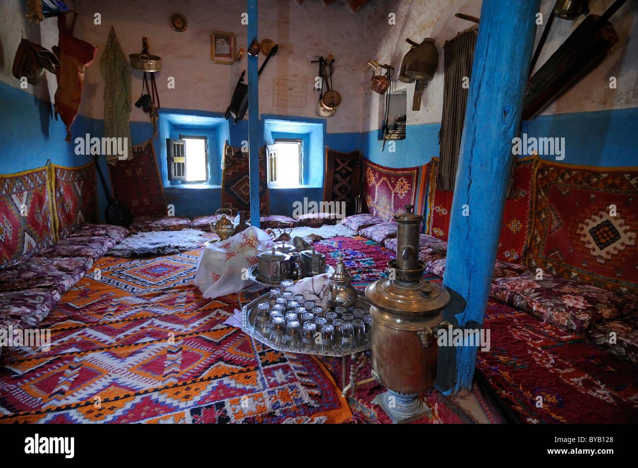 Traditionelle Wohnzimmer Am Berber Museum Von Tamegroute, Süden Von  Marokko, Afrika