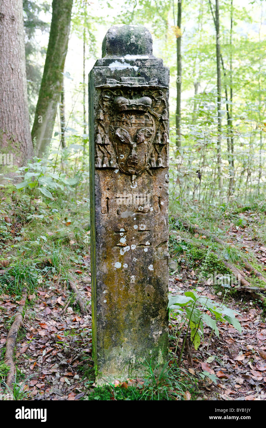 Grenzstein, der ehemaligen Grenze zwischen Bayern und Salzburger Land, Tittmoning, Upper Bavaria, Bayern, Deutschland, Stockbild