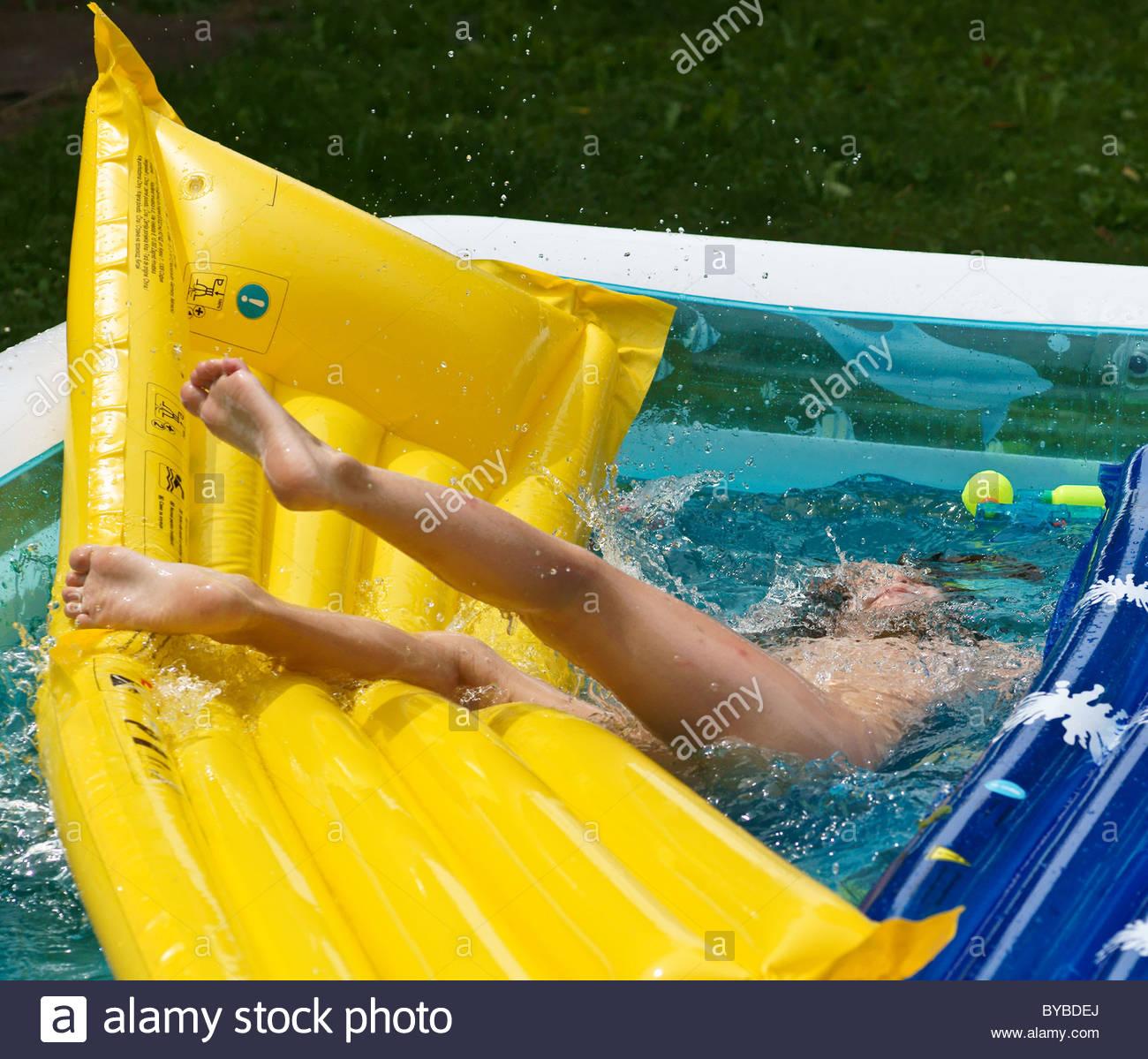 Swimmingpool im garten kinder  Kleinkind Kind junge... halben ertrinken Kunststoff aufblasbarer ...