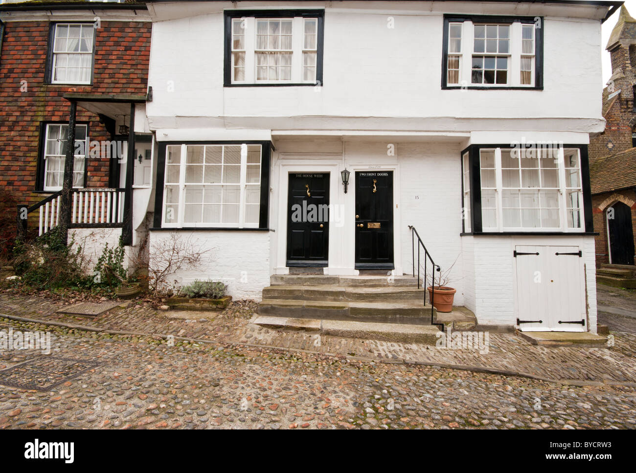 house two front doors town stockfotos house two front doors town bilder alamy. Black Bedroom Furniture Sets. Home Design Ideas