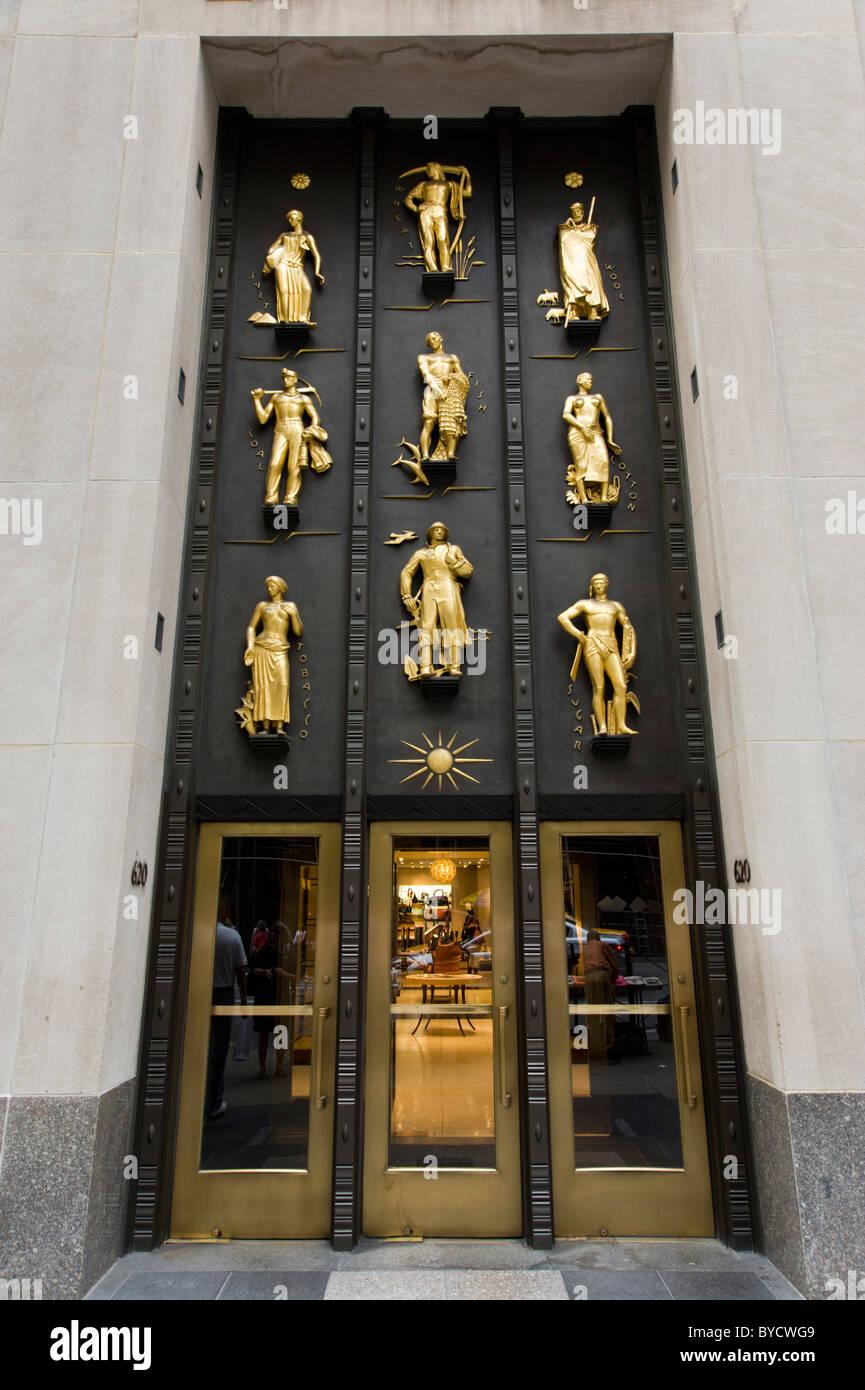Cole Haan Eingang im Rockefeller Center auf Fifth Avenue, New York City, America, USA Stockfoto