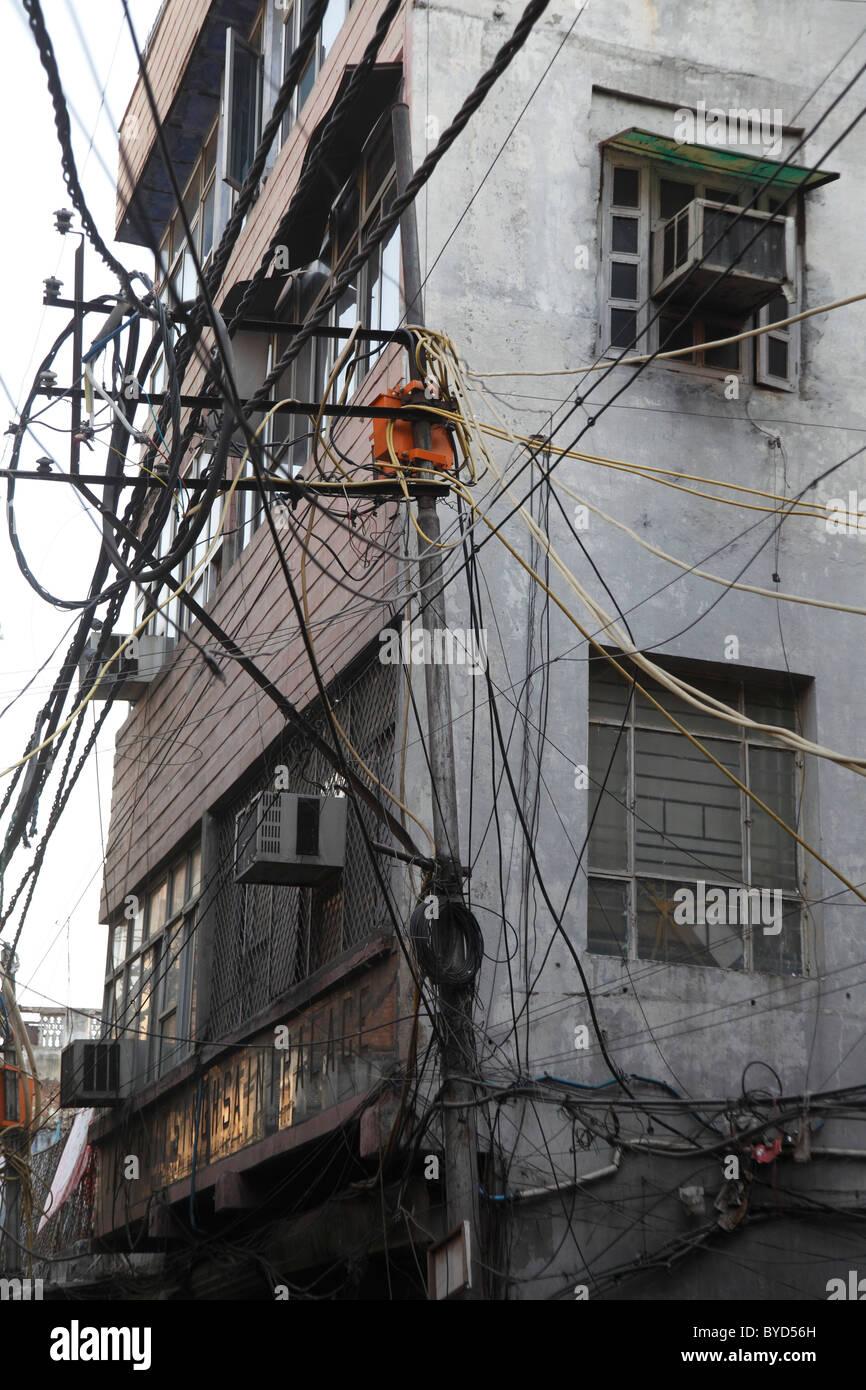Stromversorgung in Delhi, Uttar Pradesh, Nordindien, Indien, Asien Stockbild
