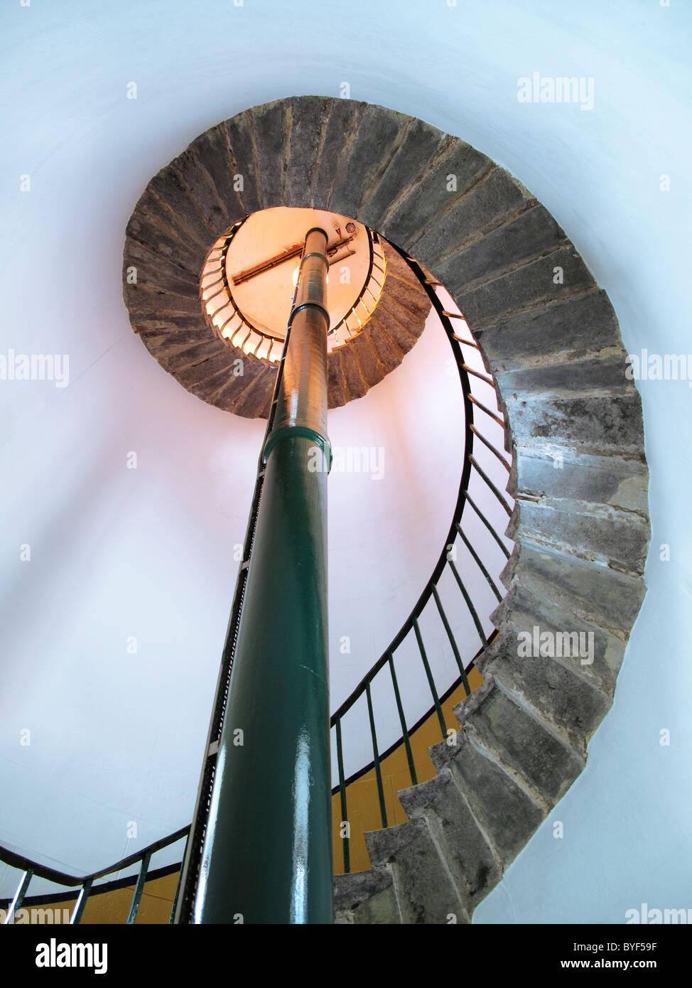 Wendeltreppe in einem Leuchtturm Stockbild