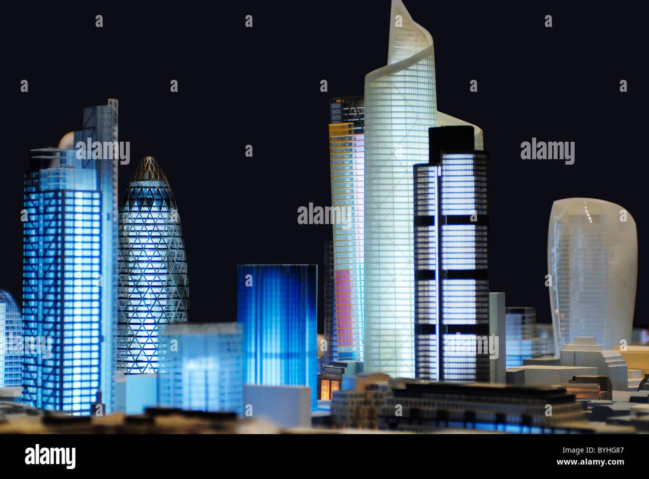 Modell der Skyline von London mit 30 St Mary Axe, Bishopsgate Tower, Tower 42 Heron-Tower, Leadenhall Turm und 20 Stockbild