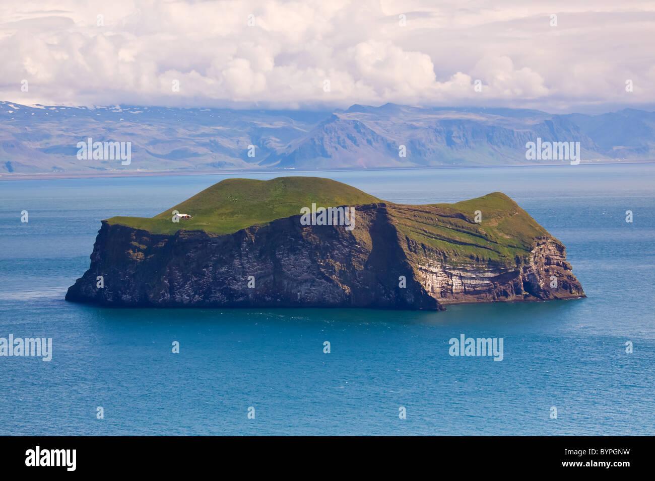 Insel der Westmännergruppe, Westmänner Inseln, Island, Europa Westmen Insel an Island, Nordeuropa Stockbild