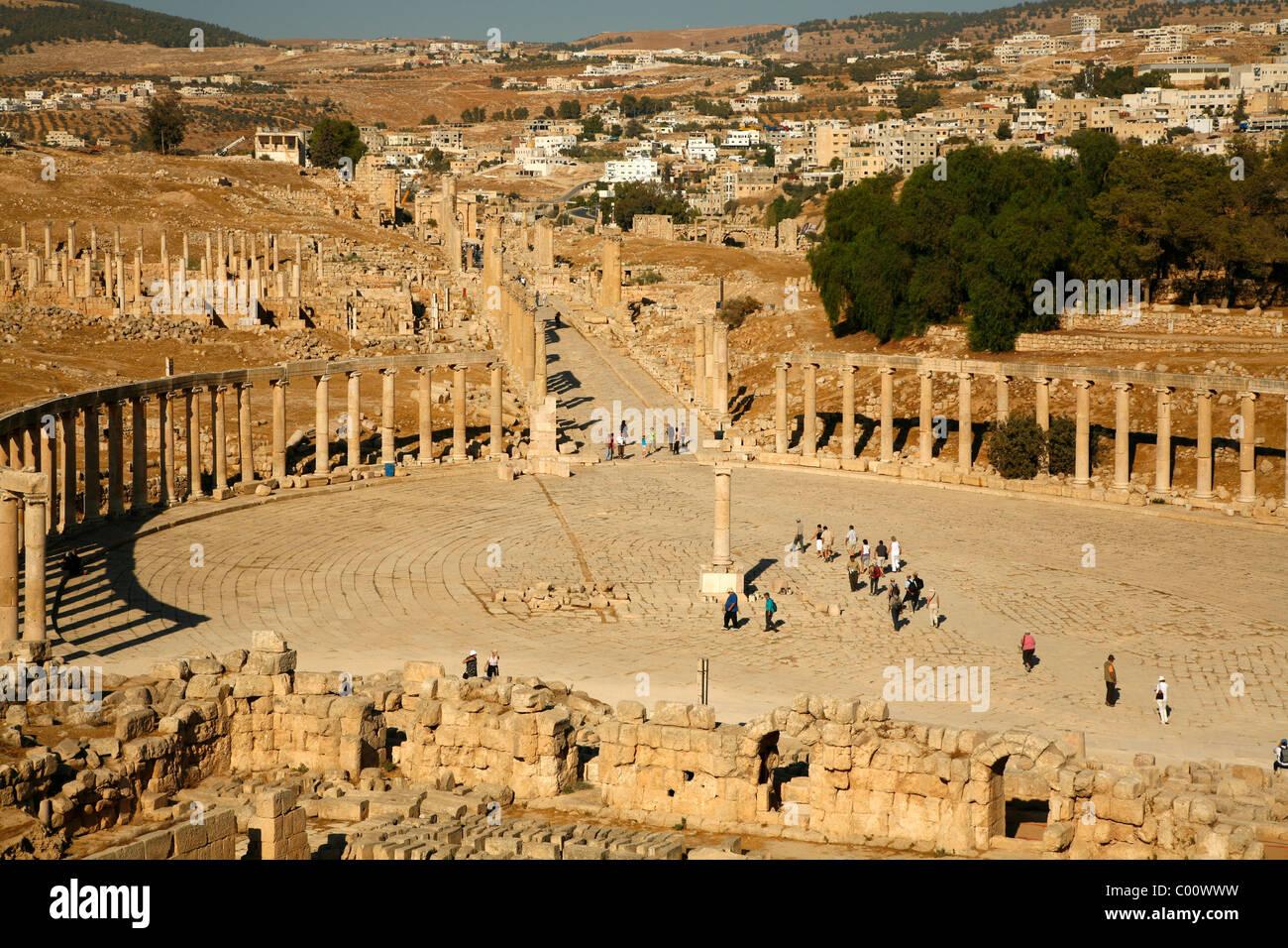 Das ovale Forum, Jerash, Jordanien. Stockbild