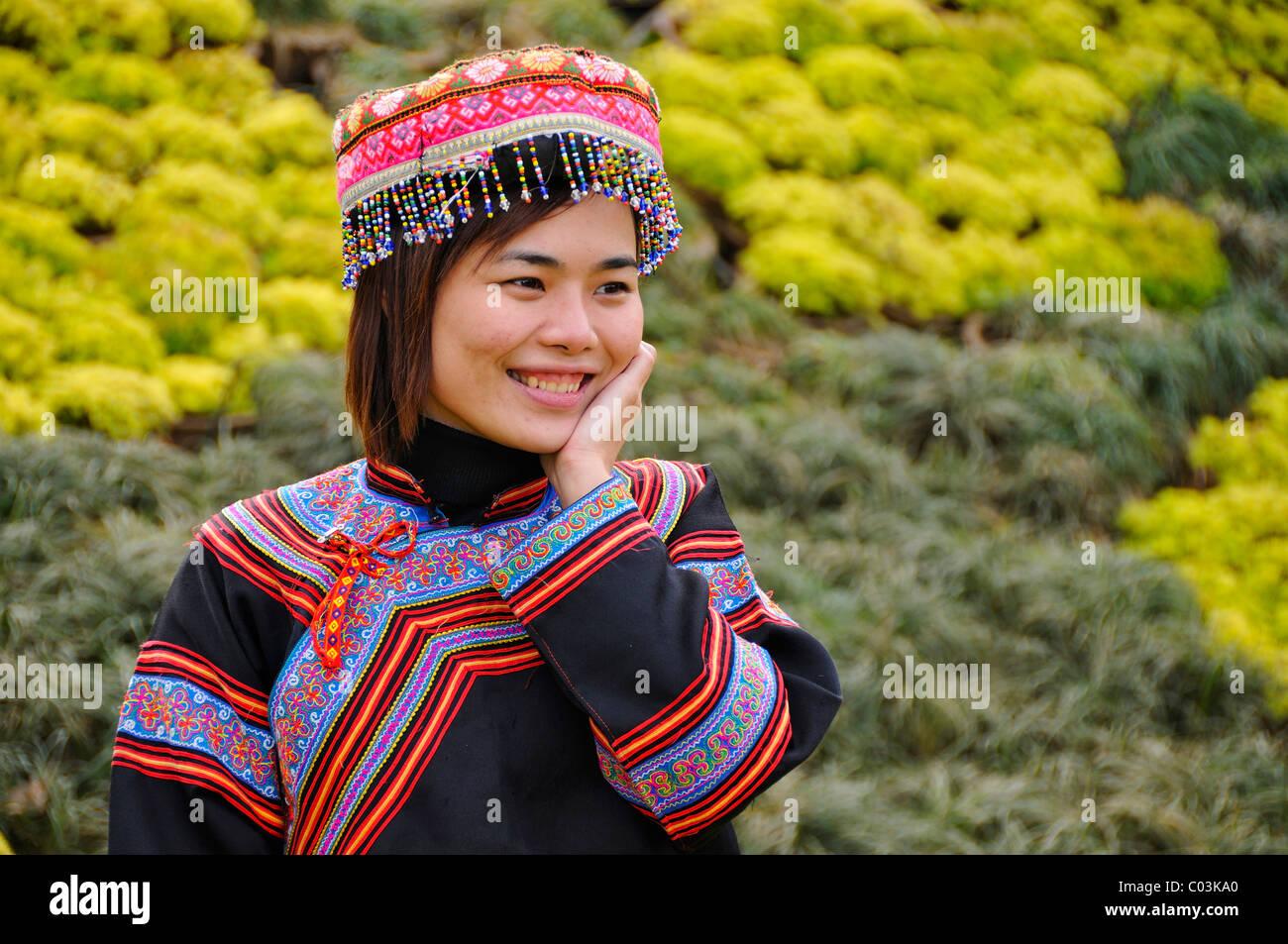 Touristen, die in einem traditionellen Kostüm, Sapa, Vietnam, Asien Stockbild
