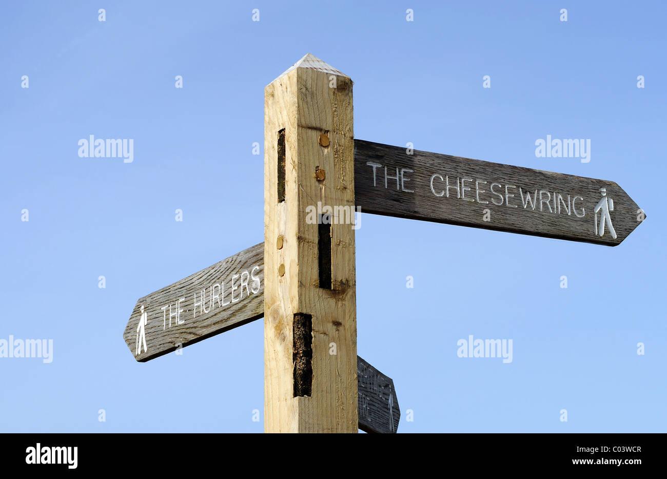 """ein Wegweiser zu den """"Cheesewring"""" und die """"Hurlers"""" auf Bodmin Moor, Cornwall, uk Stockbild"""
