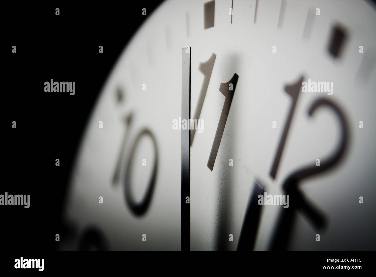 2010 Doomsday Clock; sechs Minuten bis Mitternacht auf eine symbolische Uhr ist Gesicht Warnung wie nah die Welt Stockbild