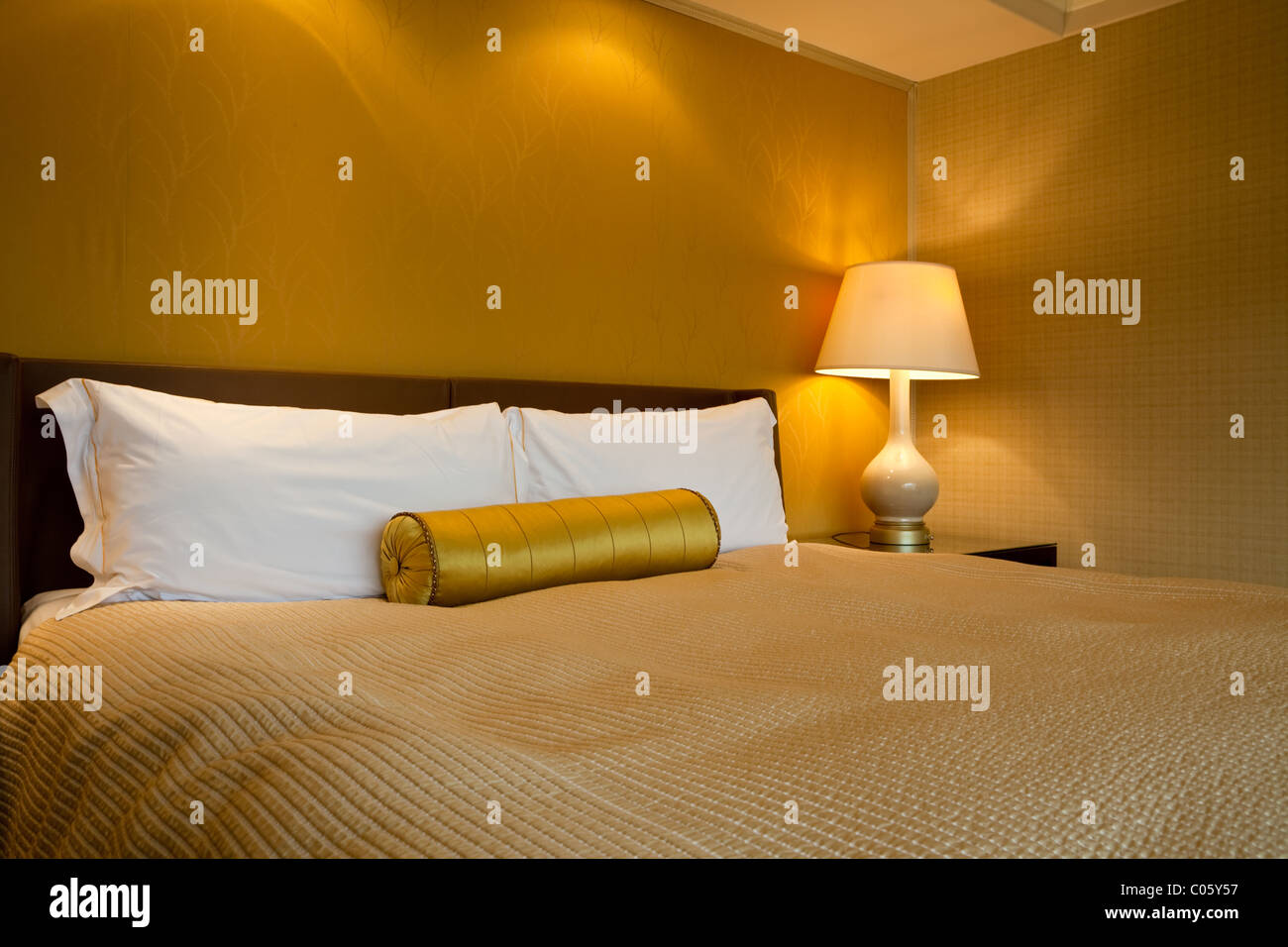 sized stockfotos sized bilder alamy. Black Bedroom Furniture Sets. Home Design Ideas
