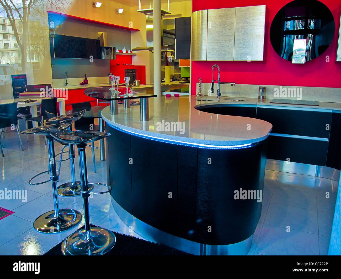 Paris, Frankreich, moderne Küche Design, Konzept Interieur Shop, innen zeigt, Möbel Shop Interior Stockbild
