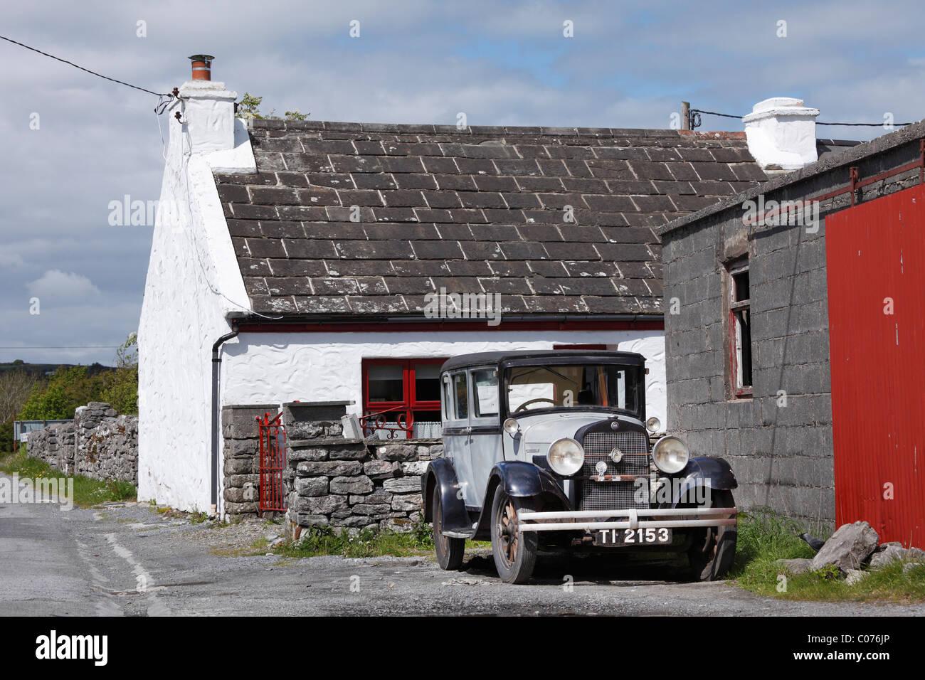 Oldtimer in Kilfenora, County Clare, Irland, Europa Stockbild